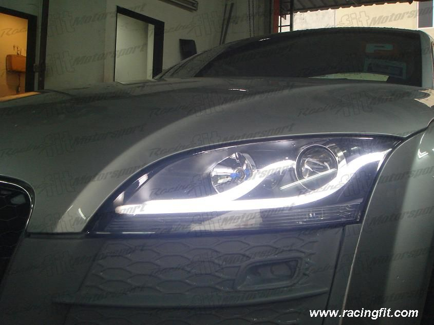 Audi TT 2007 Above LightBar Headlamp
