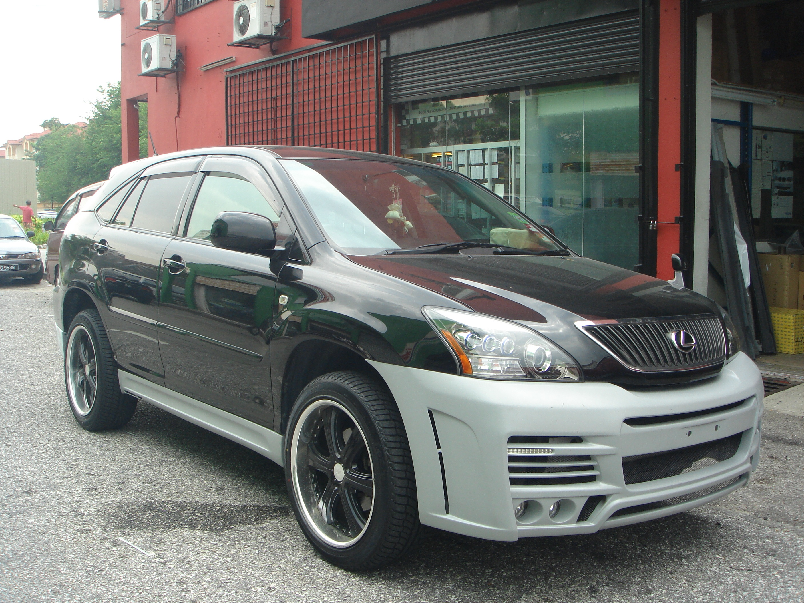 Toyota Harrier Zeus Bodykit
